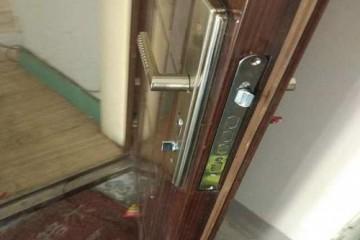 开锁之挑选密码指纹锁的四大方向