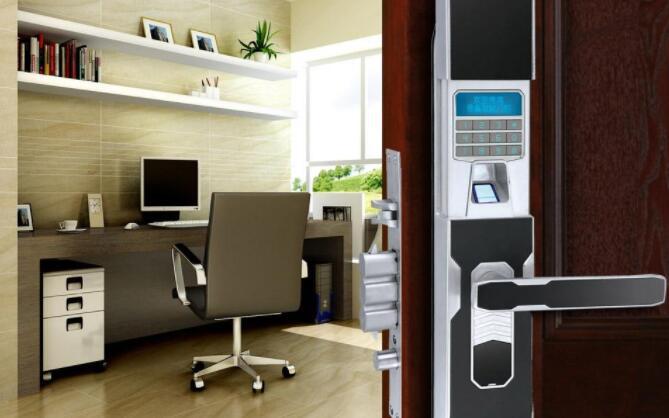 安装指纹锁对于门体有什么要求吗?